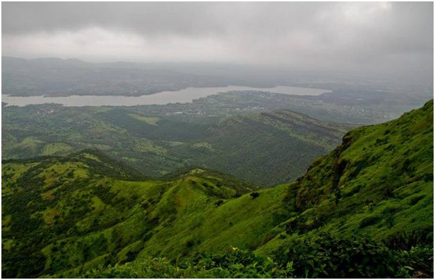 famous tourist places in Pune