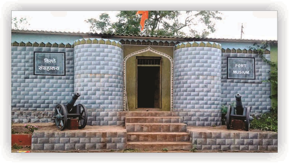 morachi chincholi is the famous picnic spot near pune district.